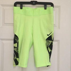 Nike Tennis Capris w Ball Slots, Size M, NWT!